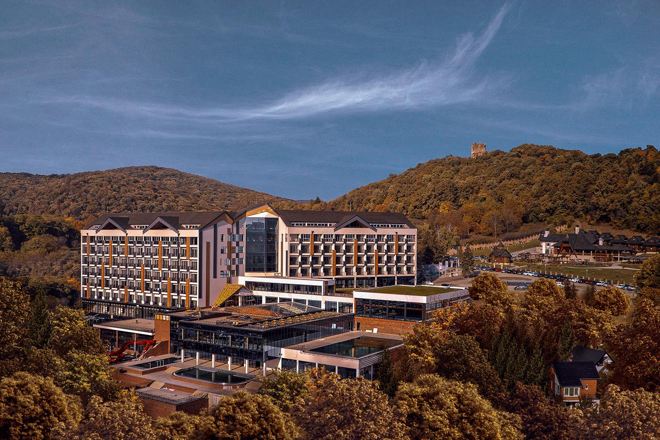 Fruske-Terme-hotel-zgrada-pogled