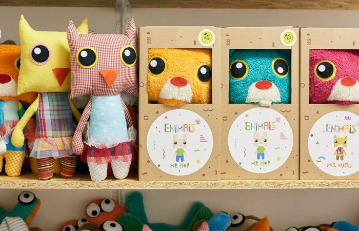 koba-yagi-plišane-igračke-reciklaza-recklirani-materijal-sova-700x923